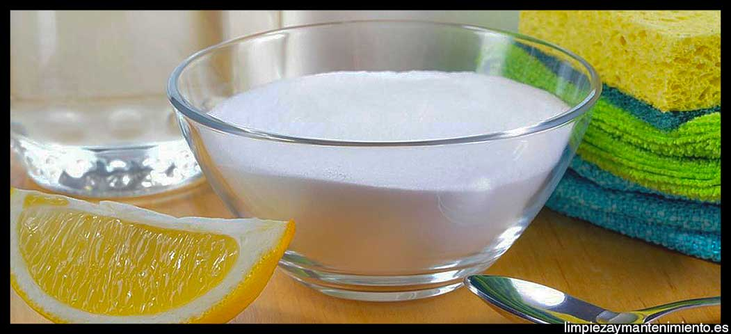 Limpiar-el-aluminio-con-bicarbonato